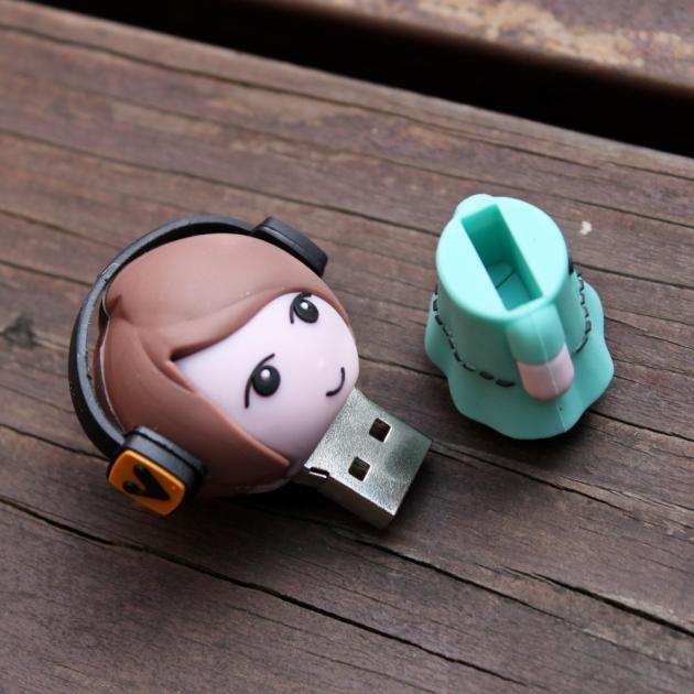 Doll USB 4